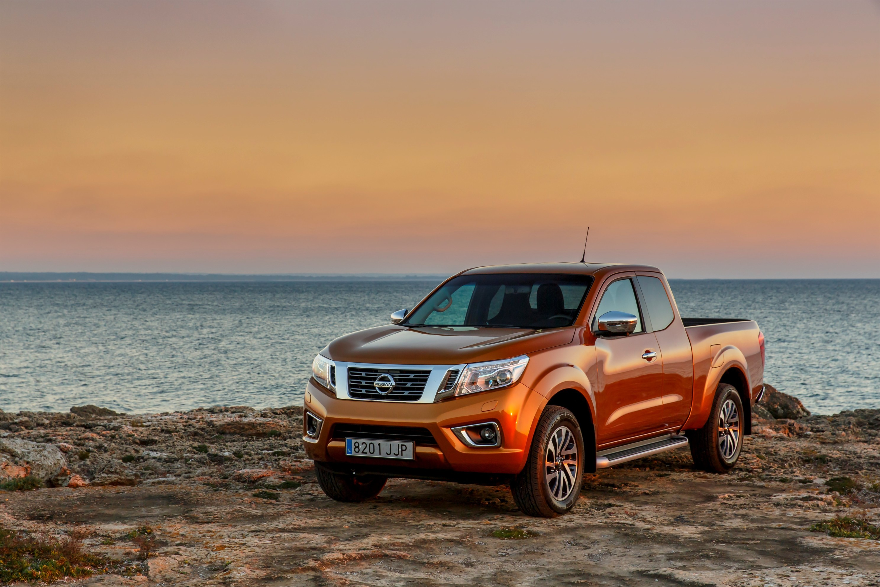award winning all new nissan np300 navara wins international pick up of the year crown in. Black Bedroom Furniture Sets. Home Design Ideas